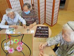 ビーズストラップ作り|長岡三古老人福祉会