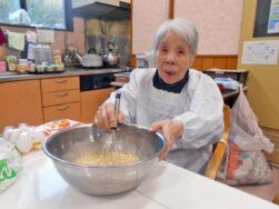ホットケーキ作り|長岡三古老人福祉会