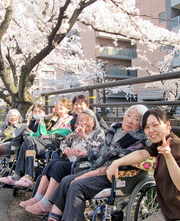 住み慣れた地域で安心して暮らせますように、私たちがお手伝いします。|長岡三古老人福祉会 採用情報サイト