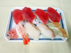 生寿司にぎりました!!|長岡三古老人福祉会