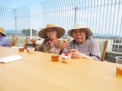 屋外食|長岡三古老人福祉会